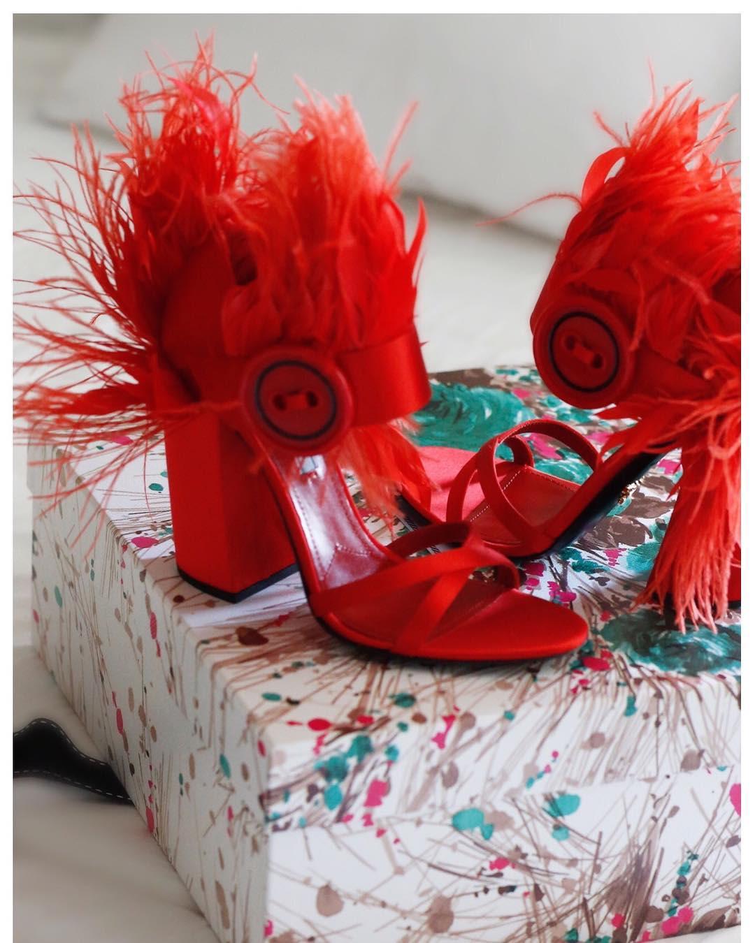 how to wear red stella uzo jadore fashion prada