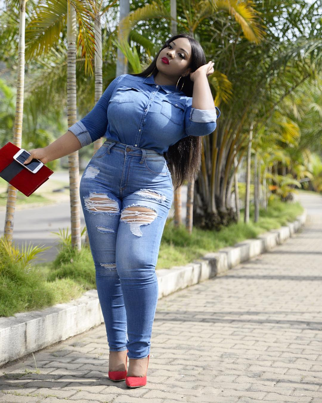 2019 year looks- Stylish girls jeans