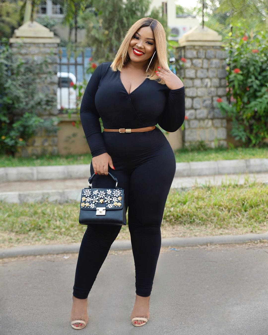 Five Stylish Outfit Formulas From Curvy Girl Influencer