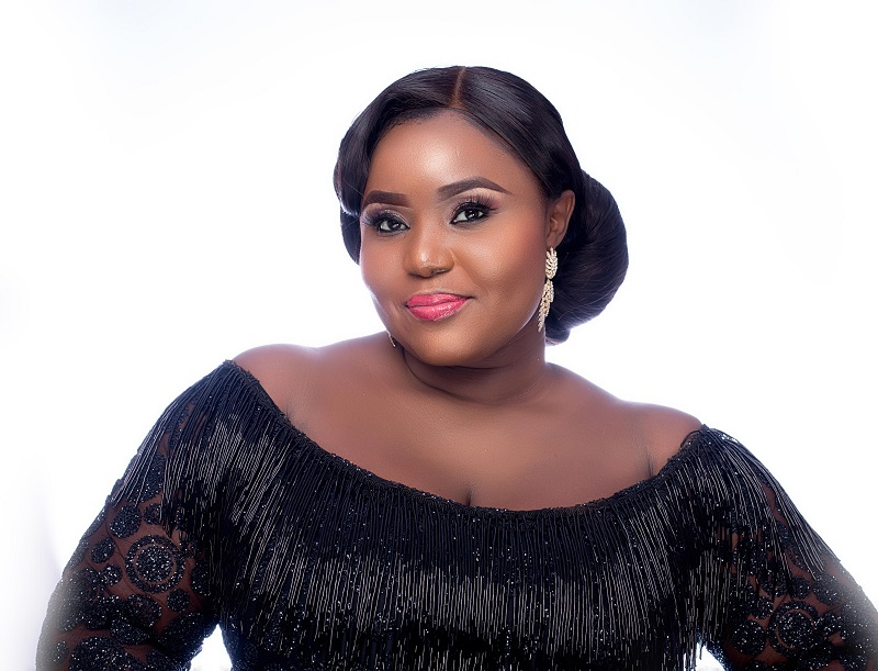 "The Beauty & Brains Behind Plus Size brand ""Makioba"" turns 40"