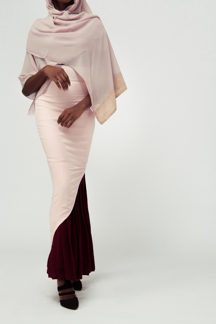 All Modest Babes Will Love Amnas' Work Wear Capsule Collection